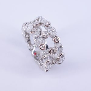 "bague diamants ""navette"""