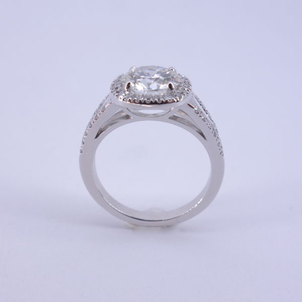 bague entourage diamants