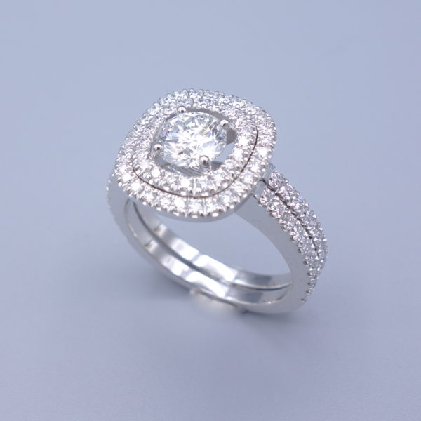 bague diamants entourage