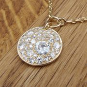 PENDENTIF OR JAUNE DIAMANTS PASTILlE
