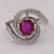 Bague tourbillon Rubis et diamants